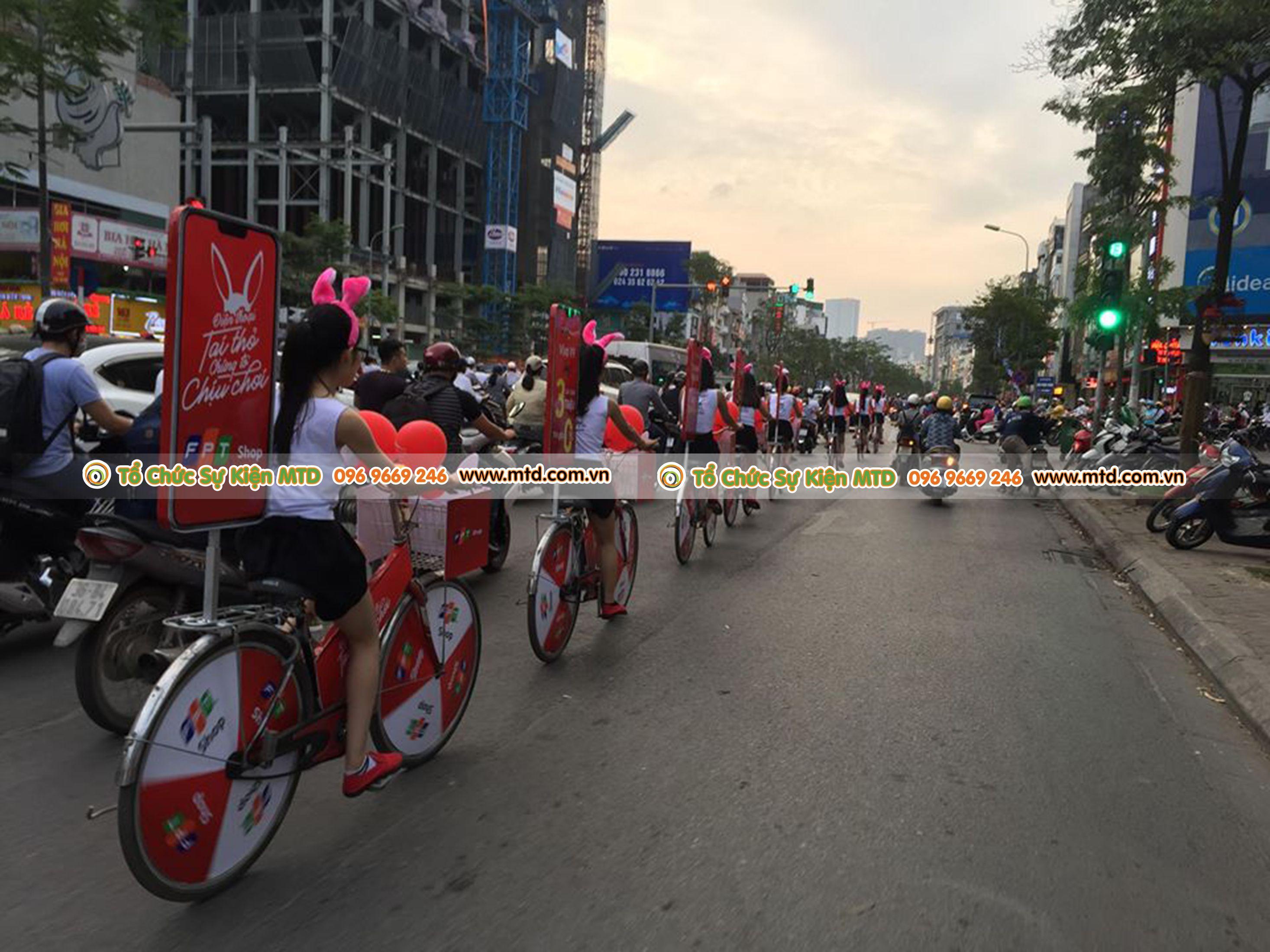 roadshow-gioi-thieu-dien-thoai-tai-tho-fptshop-17