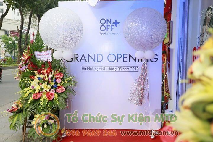khai-truong-showroom-onoff-1