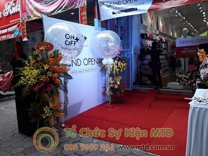 khai-truong-showroom-onoff-2